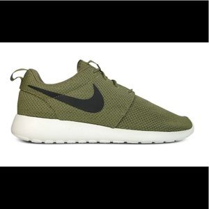 Army Green Nike Roches